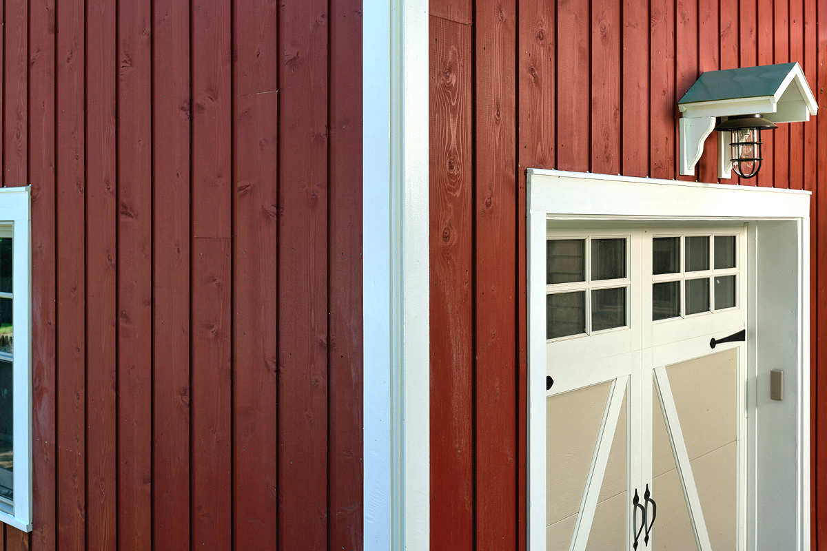 PAINTED SIDING 1x10 CHANNEL RUSTIC LAP CEDAR MILL SELECT - FACTORY PRIME PAINT BARN RED HOME IN KENTUCKY